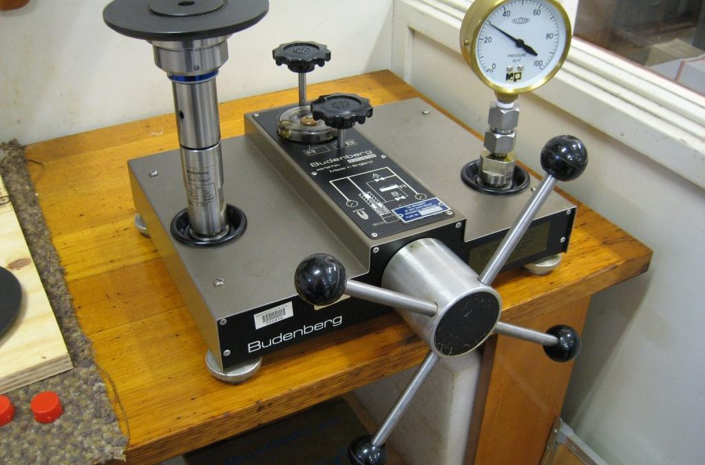 Pressure Testing Apparatus
